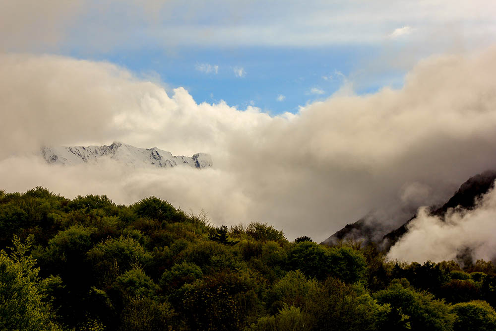 Montagne embrumée